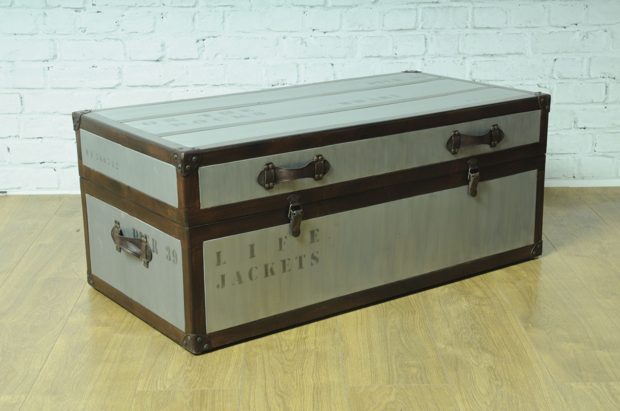 trunk coffee table uk