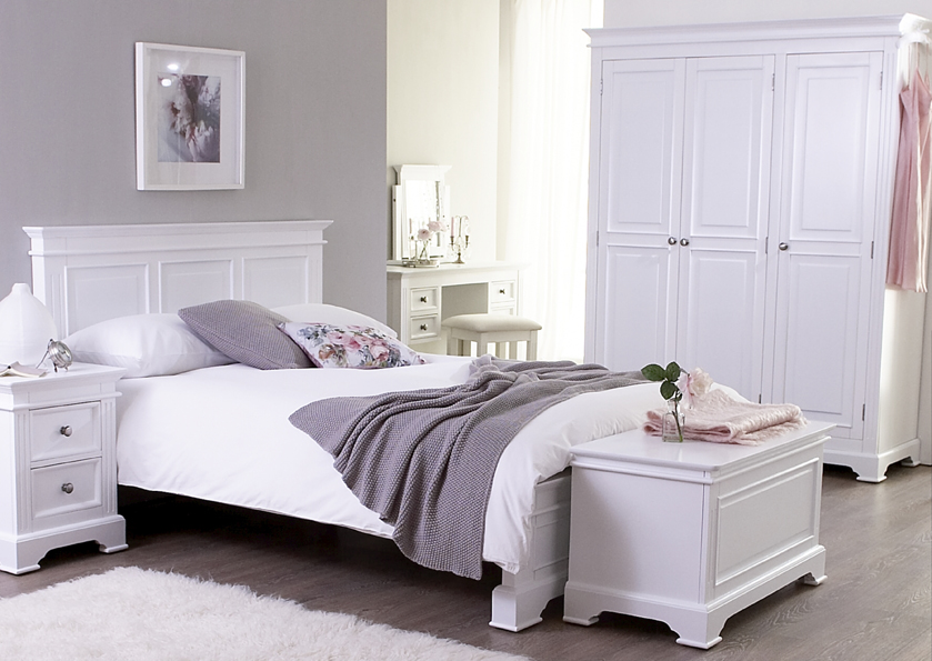 Bedroom furniture white painted shaker beds chest of for Elegant white bedroom furniture